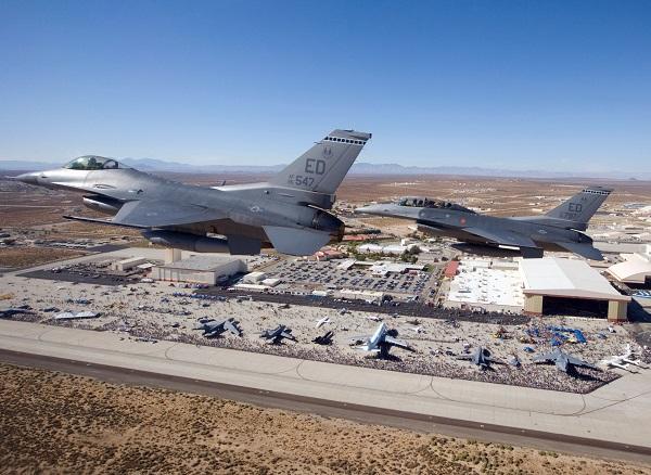 Edwardsin lentotukikohta, Muroc Army Air Field