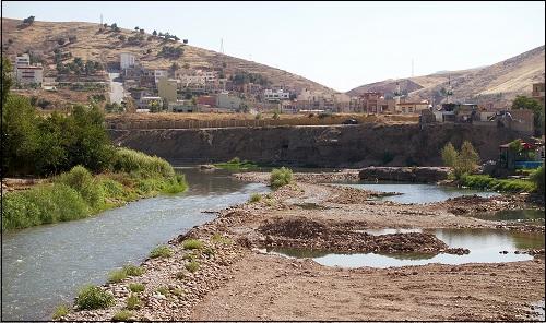 Raamatussa mainittu joki Chebar tai Kebar. Nykyinen Khabur-joki.