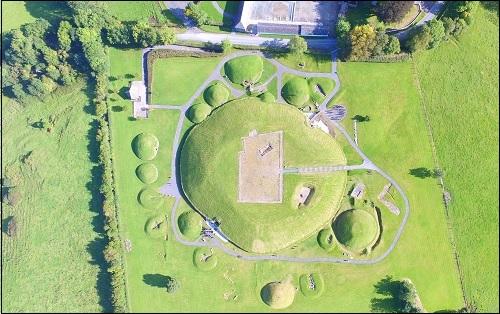 Dowth-kaytävähauta Irlannissa.