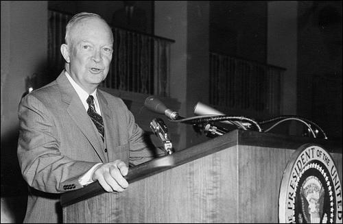 Yhdysvaltain 34. presidentti Dwight D. Eisenhower.