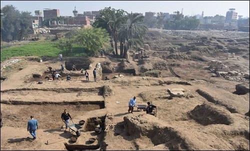 Muinainen Egyptin kaupunki Heliopolis.