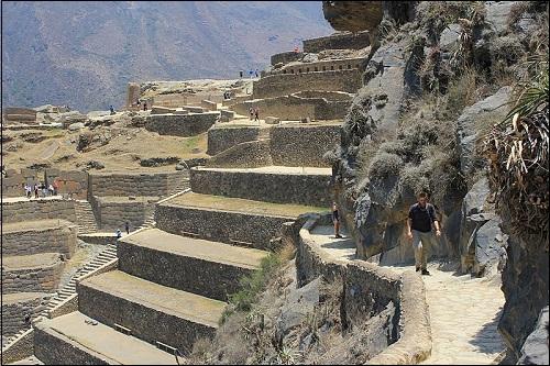 Perussa sijaitseva arkeologinen paikka Ollantaytambo.